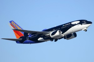 southwest-737-7h4-n713sw-shamu-phoenix-sky-harbor-arizona-december-23-2011-brian-lockett