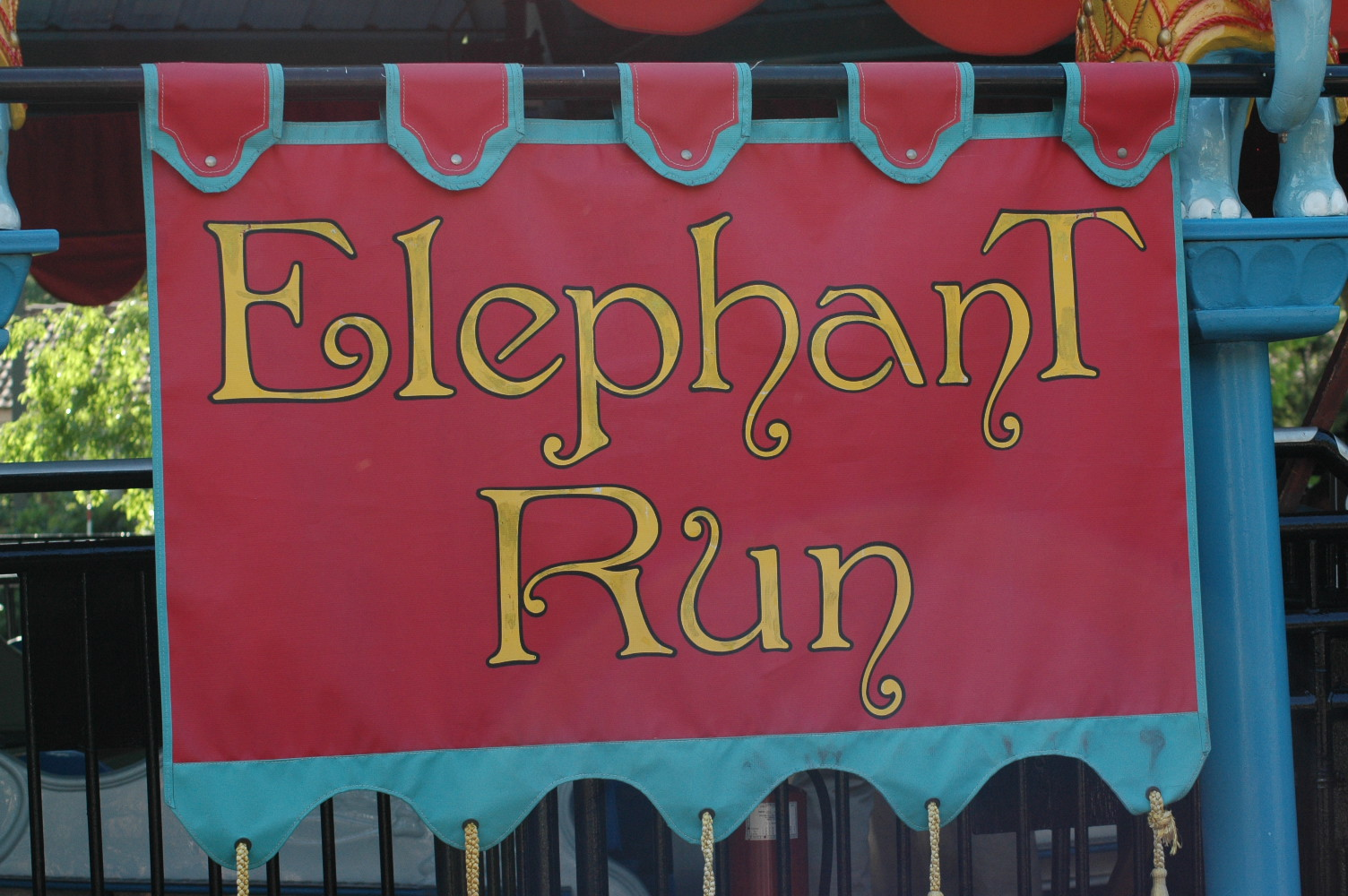 elephant run Welcome runners, joggers, walkers and strollers the enormous elephant run: freestyle is a 5k run/walk/jog in los angeles' picturesque griffith park on saturday, march 10, 2018, people from all walks of life, who want to make a difference for africa's elephants, will join together in support of the work of the david sheldrick wildlife trust.