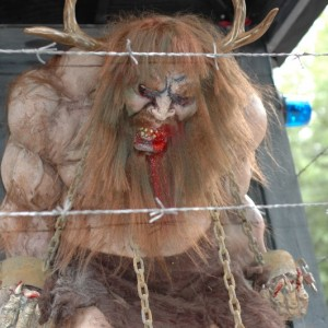 Howl-O-Scream - New France - Wendigo Woods - 2014