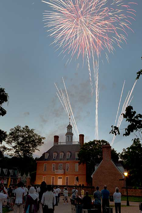 colonial williamsburg fireworks illumination